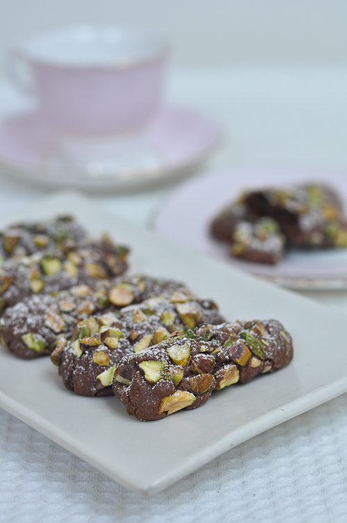 Serendipity Chocolate and Pistachio Cookies | Trissalicious