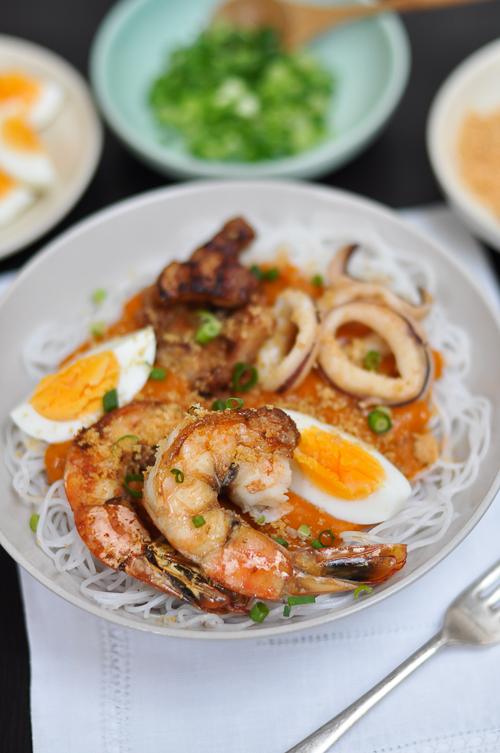 Pancit Palabok Philippine Style Noodles In A Prawn Gravy Trissalicious